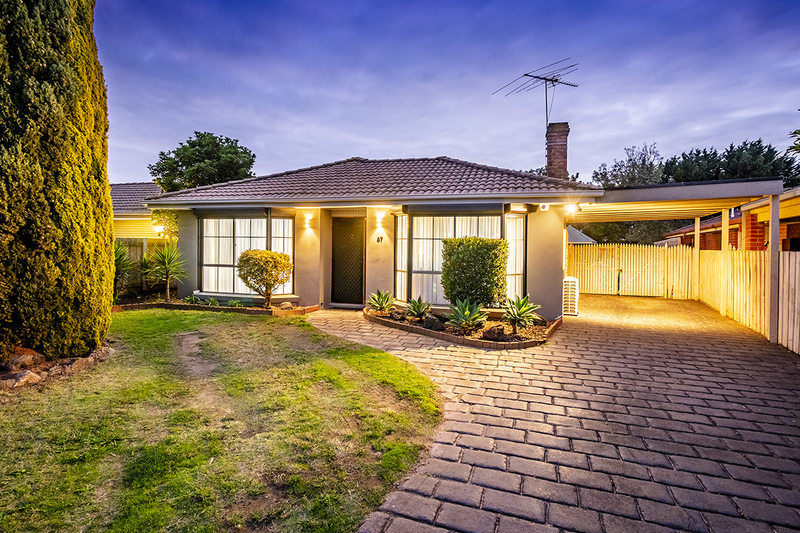 Photo - 67 Lawless Drive, Cranbourne North VIC 3977  - Image 23