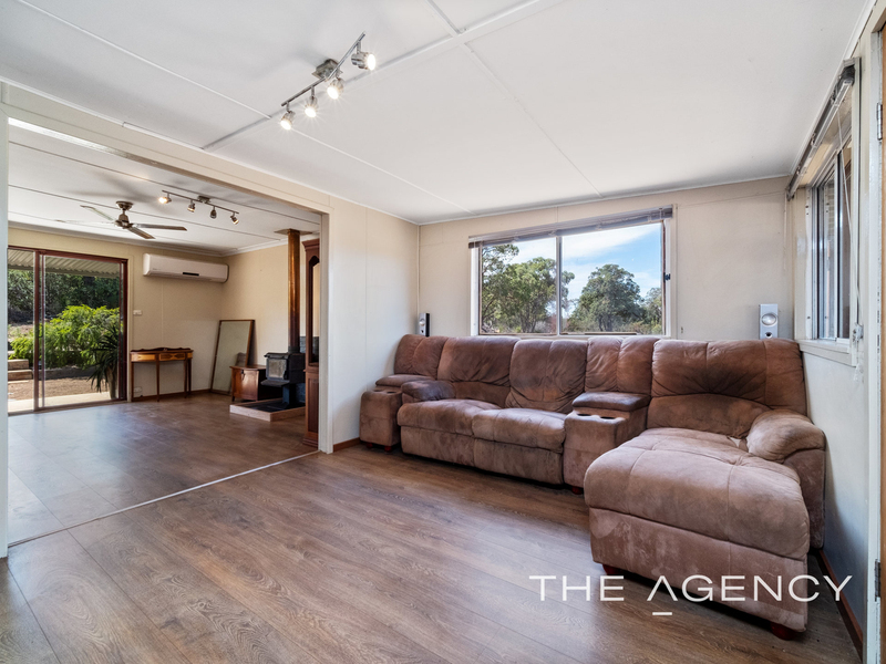 Photo - 69 Wattle Way, Morangup WA 6083  - Image 3
