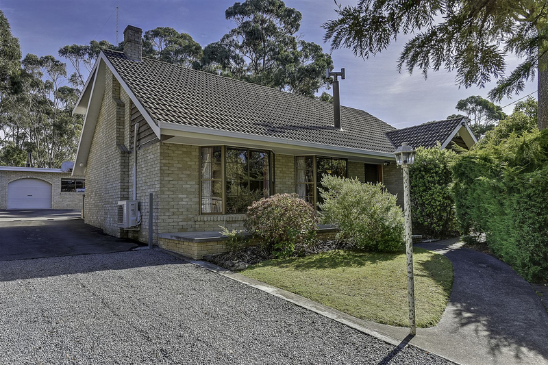 7 Broughton Avenue, Mount Nelson TAS 7007
