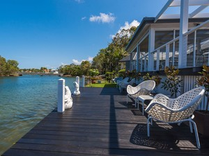 A Touch of the Hampton's - Waterside!