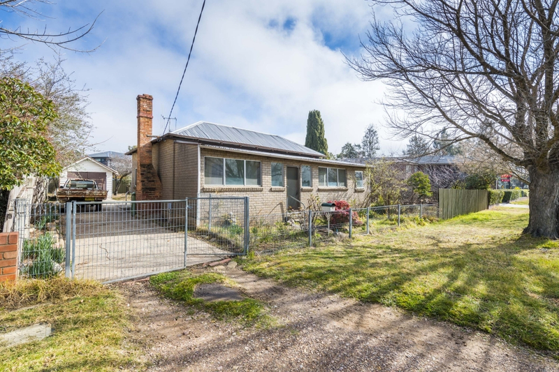 Photo - 7 Mcintosh Street, Queanbeyan NSW 2620  - Image 1