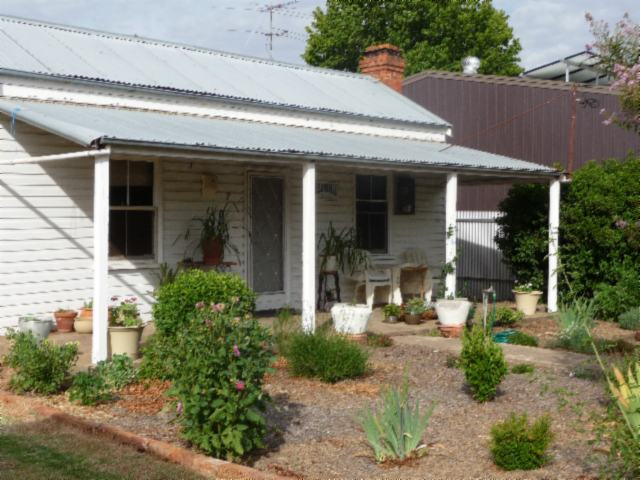 7 Murray Street, Holbrook NSW 2644
