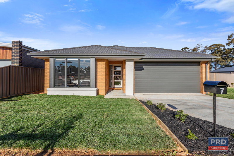 7 Orchard Lane, Maiden Gully VIC 3551