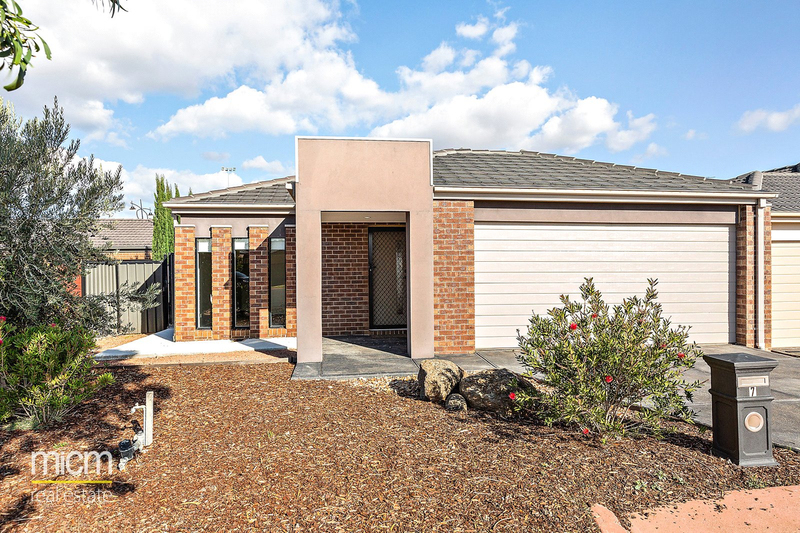 7 Sandra Court, Point Cook VIC 3030