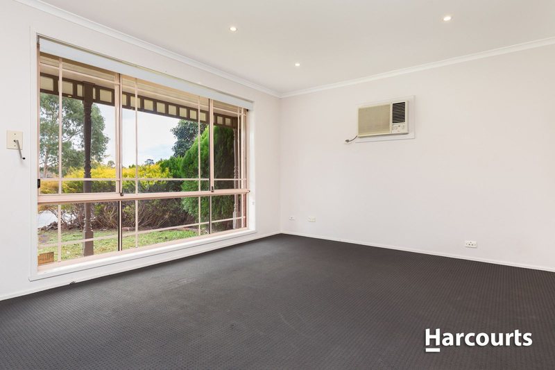 Photo - 7 Souhail Court, Berwick VIC 3806  - Image 4