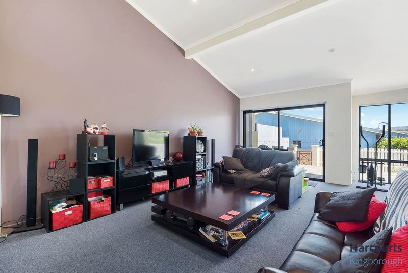 Photo - 71 Malachi Drive, Kingston TAS 7050  - Image 3