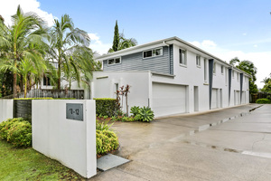 Neat and Tidy Townhouse only Metres to the Waters Edge - $435,000