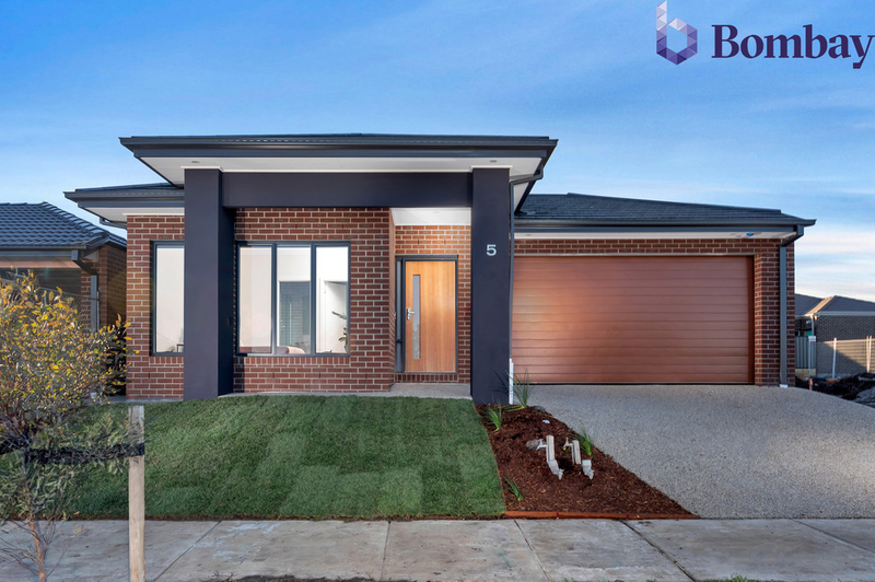 73 Distinction Drive, Craigieburn VIC 3064