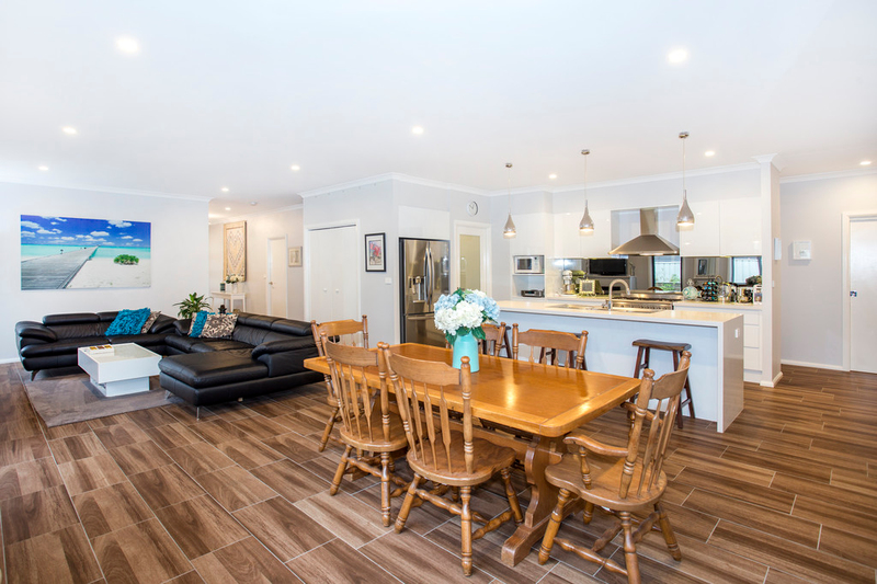 Photo - 73 Donlan Road, Mollymook NSW 2539  - Image 3