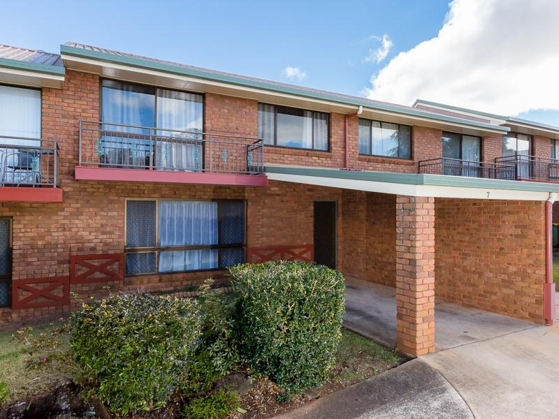 Photo - 7/367-369 Margaret Street, Toowoomba QLD 4350  - Image 9