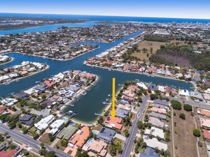 North Facing Four Bedroom Waterfront Home with Sandy Beach and Pontoon
