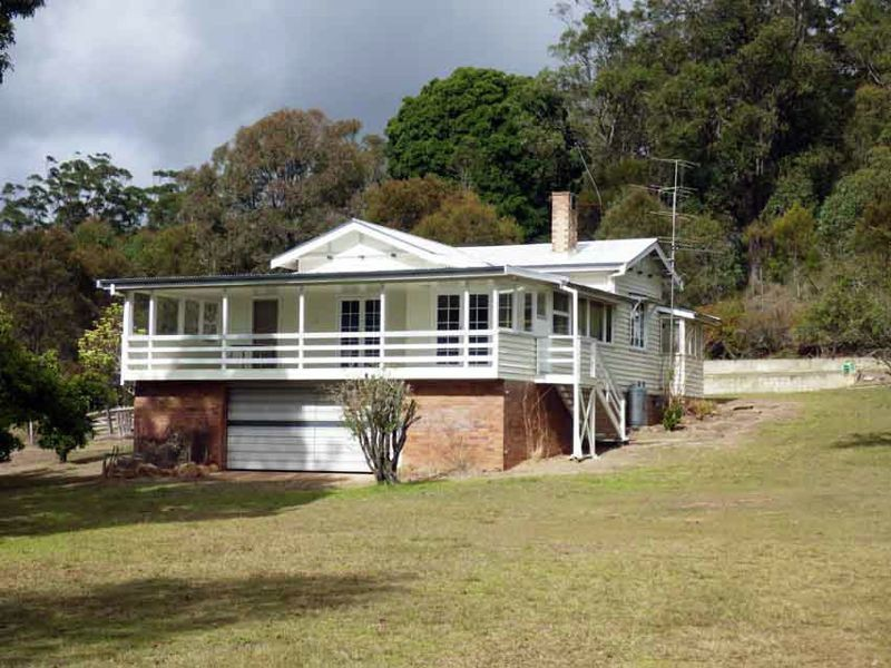 7802 New England Hwy., Crows Nest QLD 4355