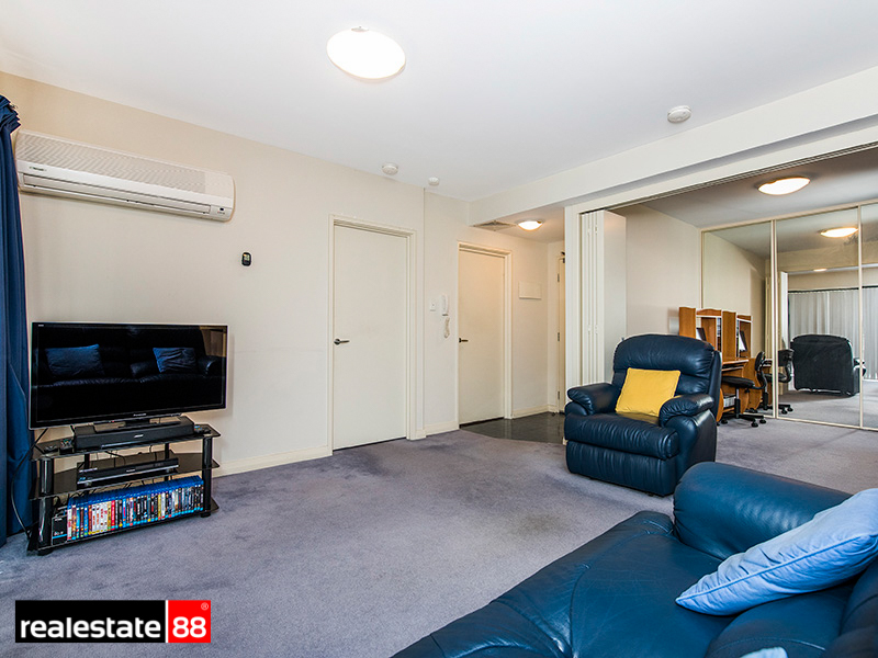 The Green Room Perth Up For Sale