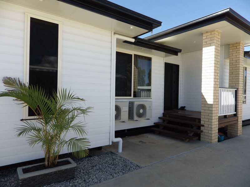 Photo - 8 Beetson Drive, Roma QLD 4455  - Image 2