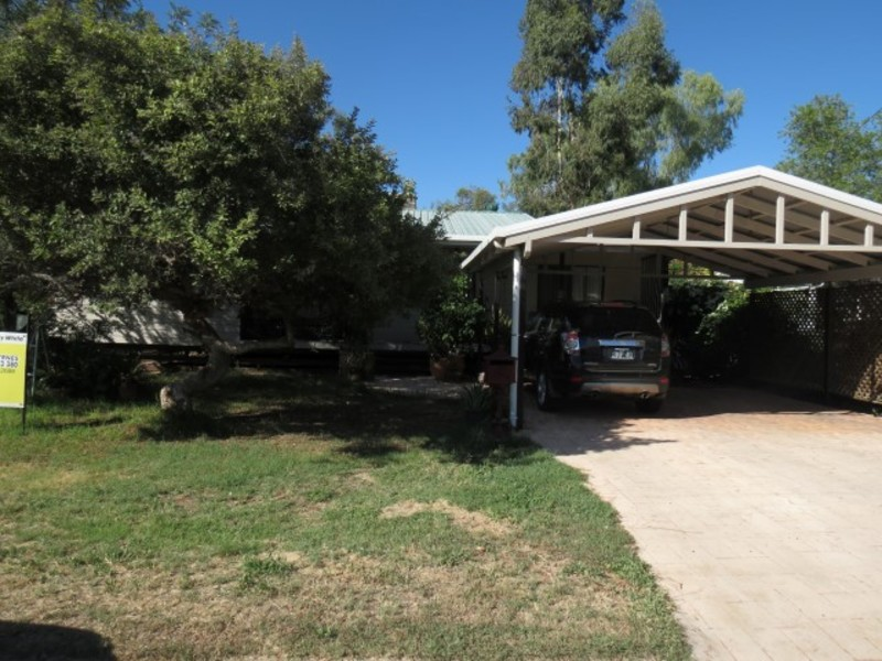 Photo - 8 Beitz Street, Roma QLD 4455  - Image 2