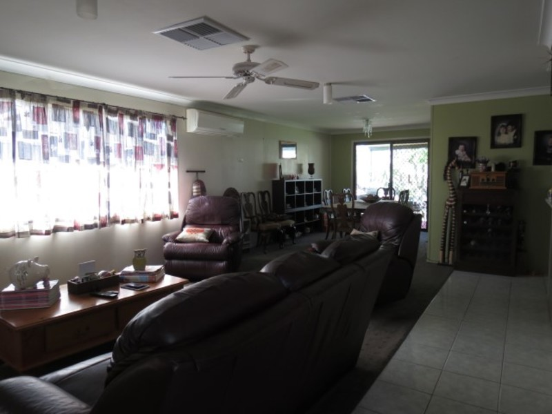 Photo - 8 Beitz Street, Roma QLD 4455  - Image 7