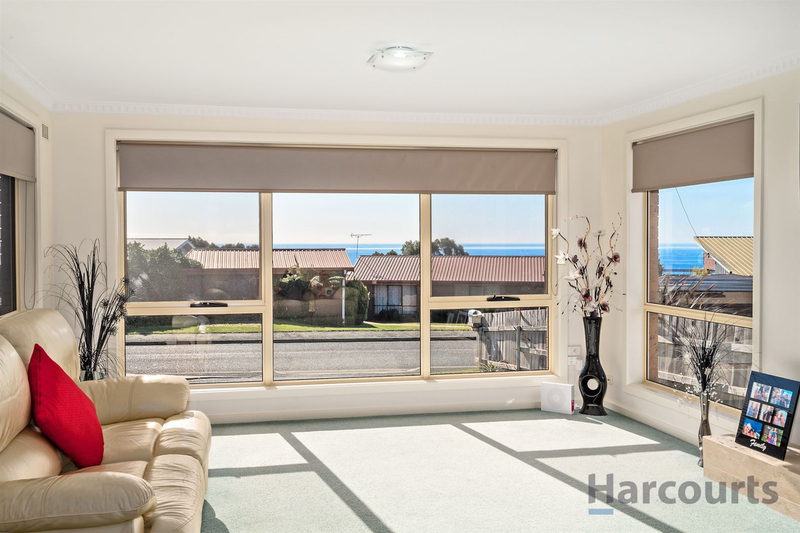 Photo - 8 Burnett Crescent, West Ulverstone TAS 7315  - Image 6