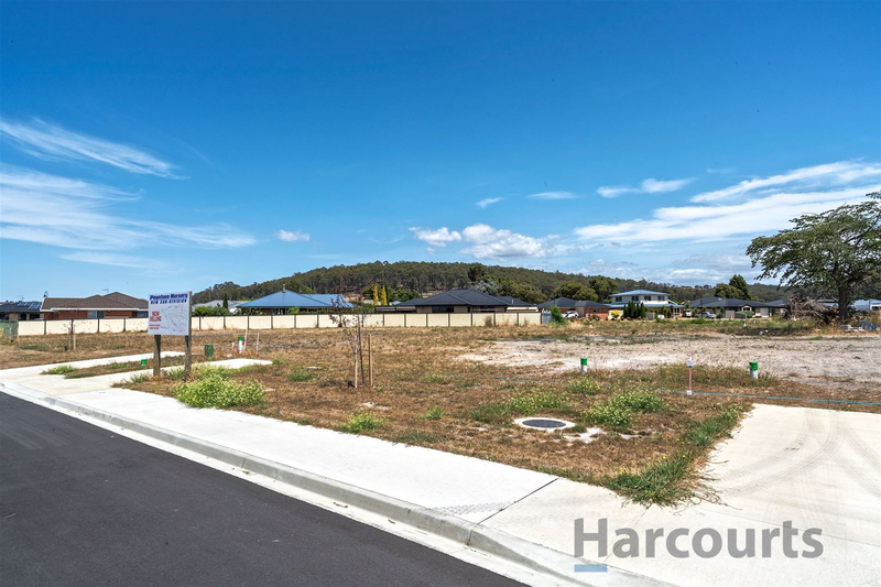 8 Esther Place, Turners Beach TAS 7315