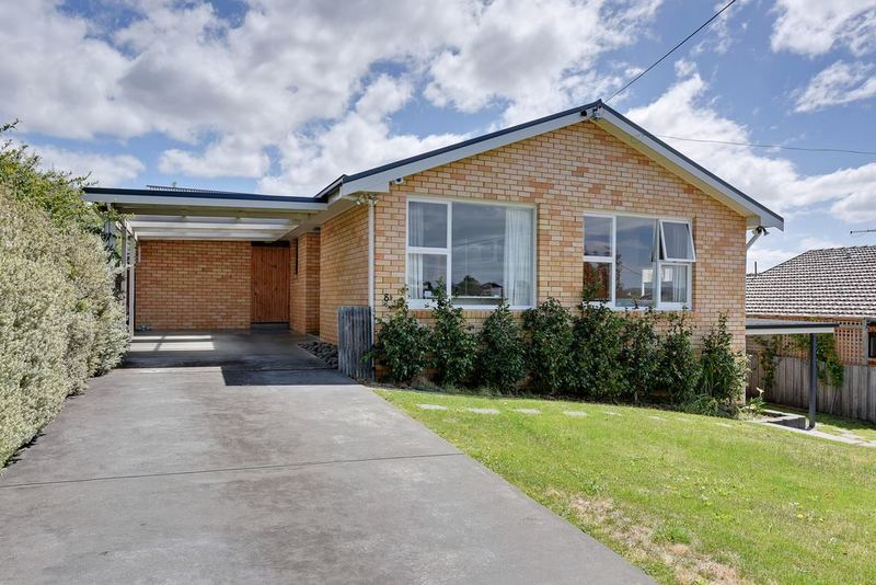 Photo - 8 Fehre Court, Sandy Bay TAS 7005  - Image 1