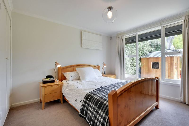 Photo - 8 Fehre Court, Sandy Bay TAS 7005  - Image 11