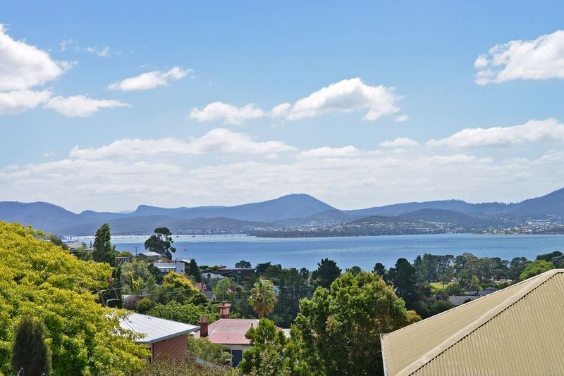 Photo - 8 Fehre Court, Sandy Bay TAS 7005  - Image 14