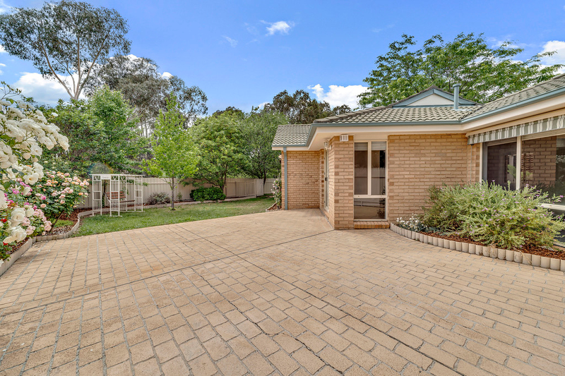 Photo - 8 Minnta Place, Ngunnawal ACT 2913  - Image 2