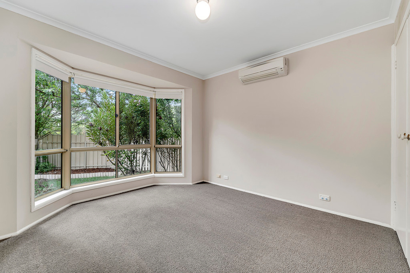 Photo - 8 Minnta Place, Ngunnawal ACT 2913  - Image 8