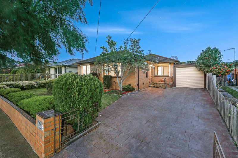 8 Montrose Street, Oakleigh South VIC 3167