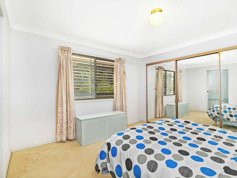 8 satinash court capalaba qld 4157 On the family room capalaba