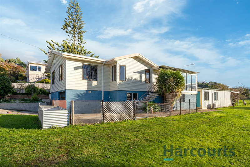 8 Seaside Crescent, Penguin TAS 7316