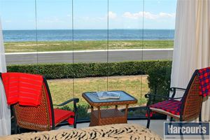 Waterfront Living! 5 Minutes to Bribie Island