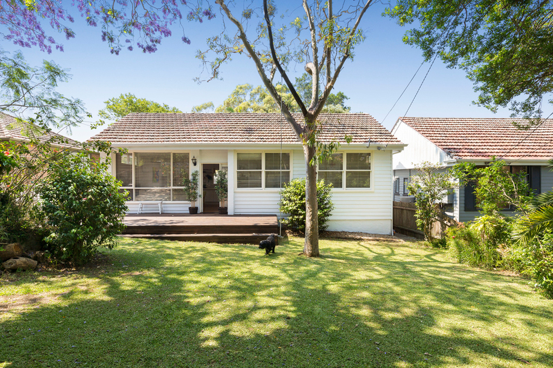 Photo - 84 Frenchs Forest Road, Seaforth NSW 2092  - Image 1