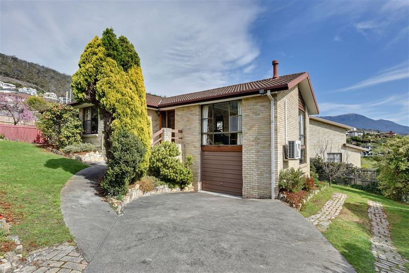 89 Lipscombe Avenue, Sandy Bay TAS 7005