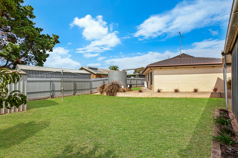 Photo - 9 Lorraine Street, Murray Bridge SA 5253  - Image 9