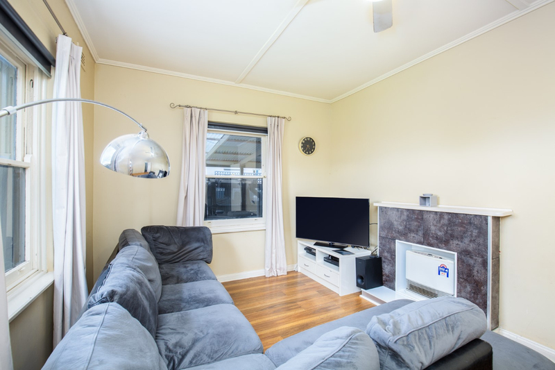 Photo - 9 Oolna Street, Mount Gambier SA 5290  - Image 3