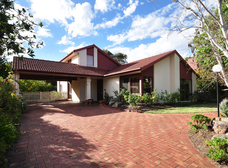 9 Outlook Drive, Aberfoyle Park SA 5159