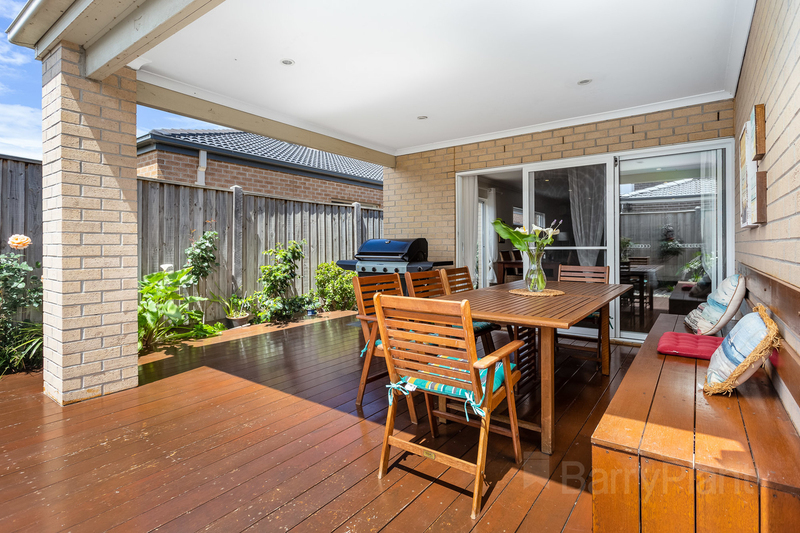 9 Waves Drive, Point Cook VIC 3030