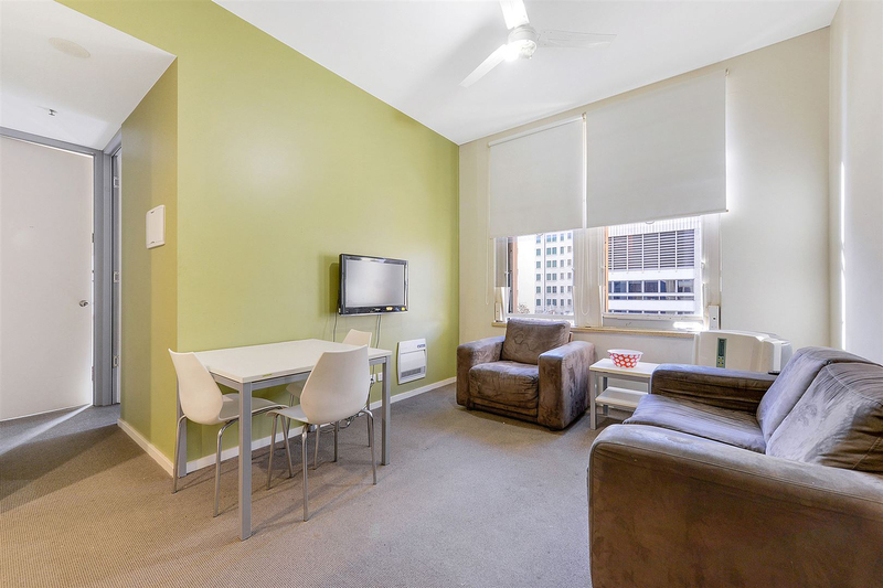 Photo - 902/23 King William Street, Adelaide SA 5000  - Image 2