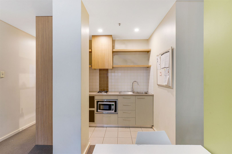 Photo - 902/23 King William Street, Adelaide SA 5000  - Image 3