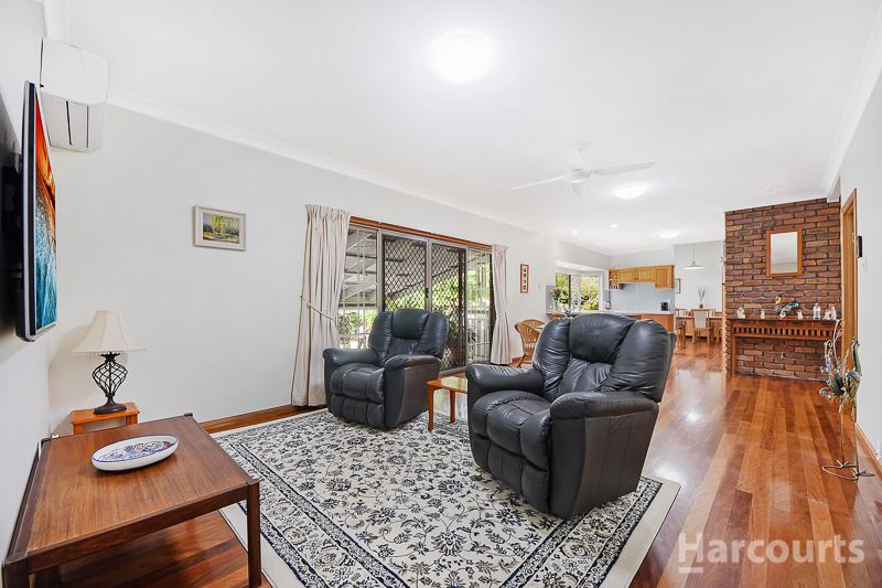 Photo - 92 Hermitage Place, Morayfield QLD 4506  - Image 5
