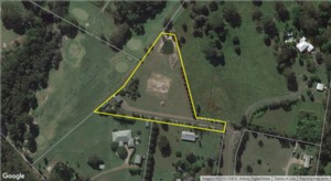 Town Acreage - space to move but close to it all