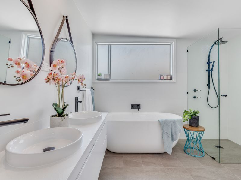 959 The Entrance Road, Forresters Beach NSW 2260