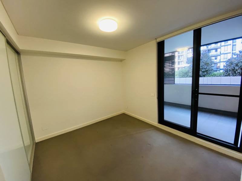 Photo - A303/12 Half Street, Wentworth Point NSW 2127  - Image 6