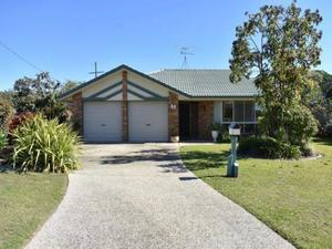 FAMILY HOME --1000M2 BLOCK-DUAL SIDE ACCESS--POOL