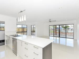 PARKLAKES II SELLING FAST..... House & Land Package For Only $470,500.00