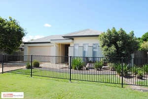 STUNNING CENTRAL LAKES EX-DISPLAY HOME!!!