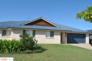 CENTRAL LAKES FOUR BEDROOM DUPLEX!!! PRIVATE, SPACIOUS AND LOW MAINTENANCE!!!