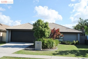 BEAUTIFUL MODERN CENTRAL LAKES FAMILY HOME!!!