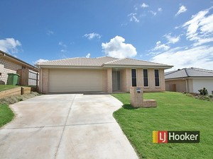 WELL-APPOINTED HOME / WALK TO TRAIN, SCHOOLS, SHOPS