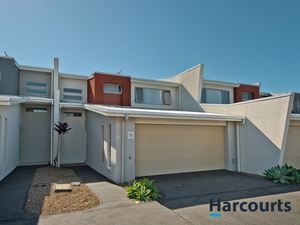 Modern Townhouse - Investors Special
